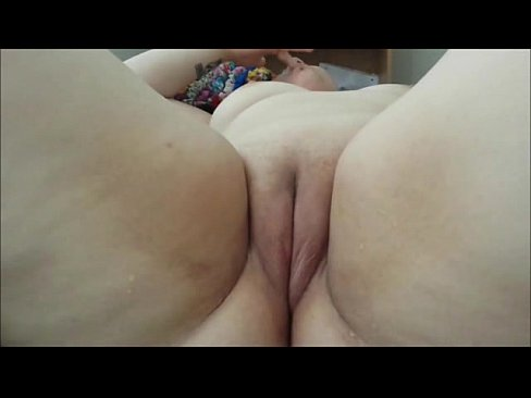 Nice shaved fat pussy